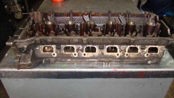 Bmw 320 Silindir Kapağı M54