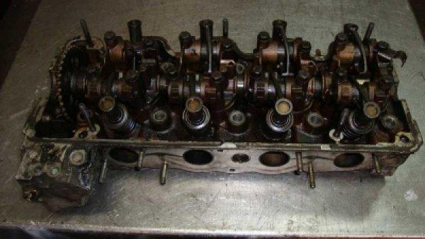 Mercedes 190 Silindir Kapağı 102 Motor