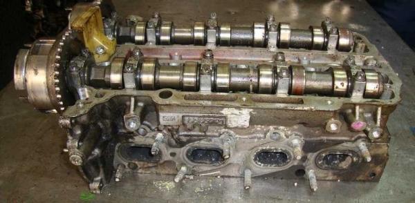 Opel Astra J Silindir Kapağı 55565291