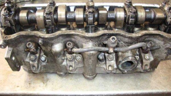 Volkswagen Caddy Silindir Kapağı 028103373N