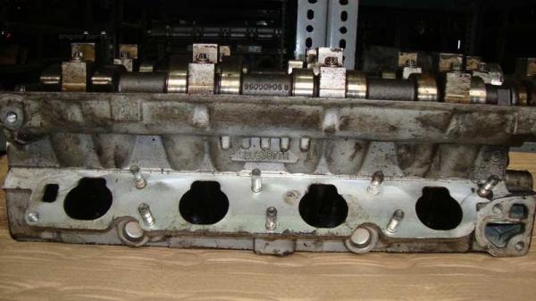 Opel Vectra B Silindir Kapağı 90466643