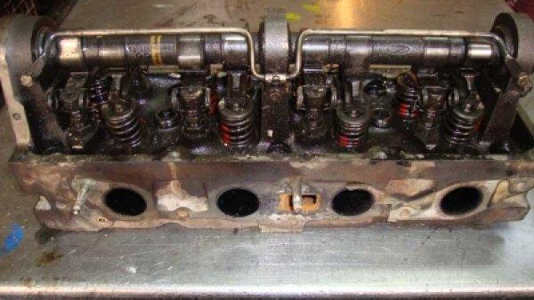 Ford Taunus 1.6 Silindir Kapağı