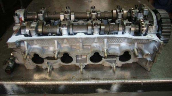 Mazda 323 Z501 Silindir Kapağı