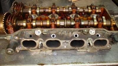 Toyota Avensis Silindir Kapağı 4ZZ-FE
