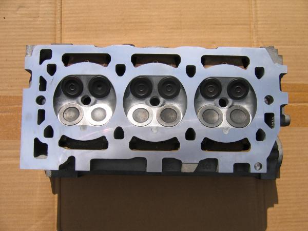 Rover V6 2.5 Silindir Kapağı