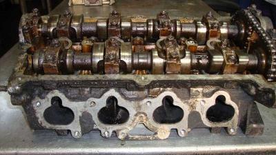 Volkswagen Corrado 1.8 Silindir Kapağı 027103373E
